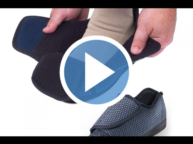 Extra wide mens slippers